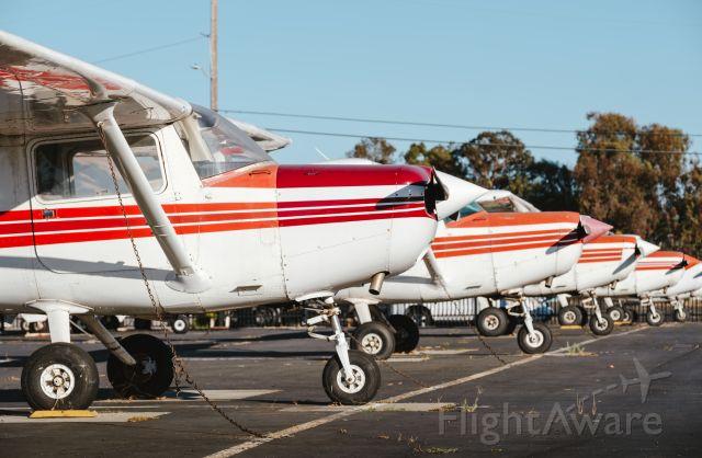 Cessna 152 —