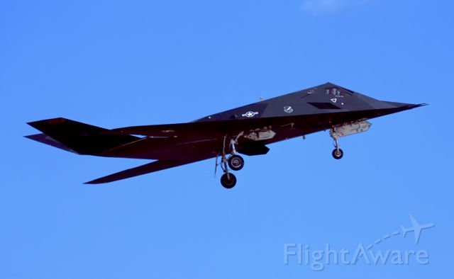 Lockheed Nighthawk (86-0840) - Touch and Go surprise for me.