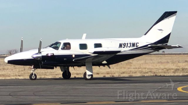 Piper Cheyenne 2 (N913NC)