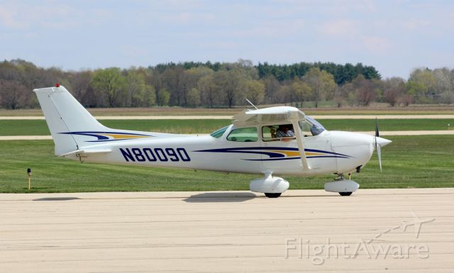 Cessna Skyhawk (N80090) - Whiteside County Airport 17 April 2021<br />Another 172 doing some pattern work.<br />Gary C. Orlando Photo