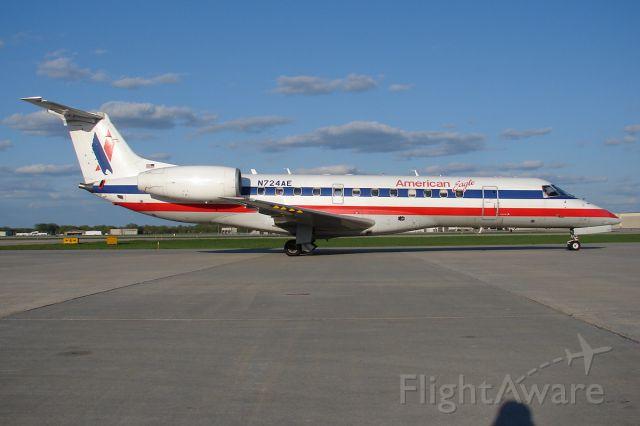 Embraer ERJ-135 (N724AE)