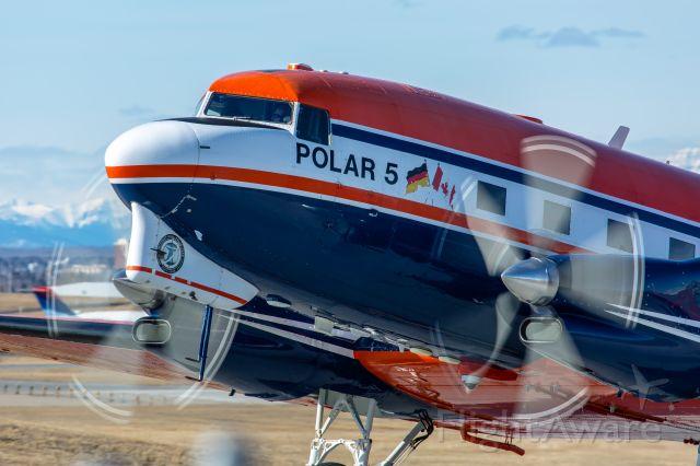 Douglas DC-3 (C-GAWI) - Beautiful old bird, definitely has seen some history.