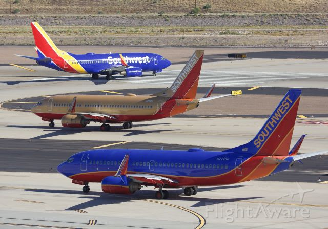 """Boeing 737-700 (N711HK) - All three generations of LUV birds (Please view in """"Full"""" for best image quality)"""