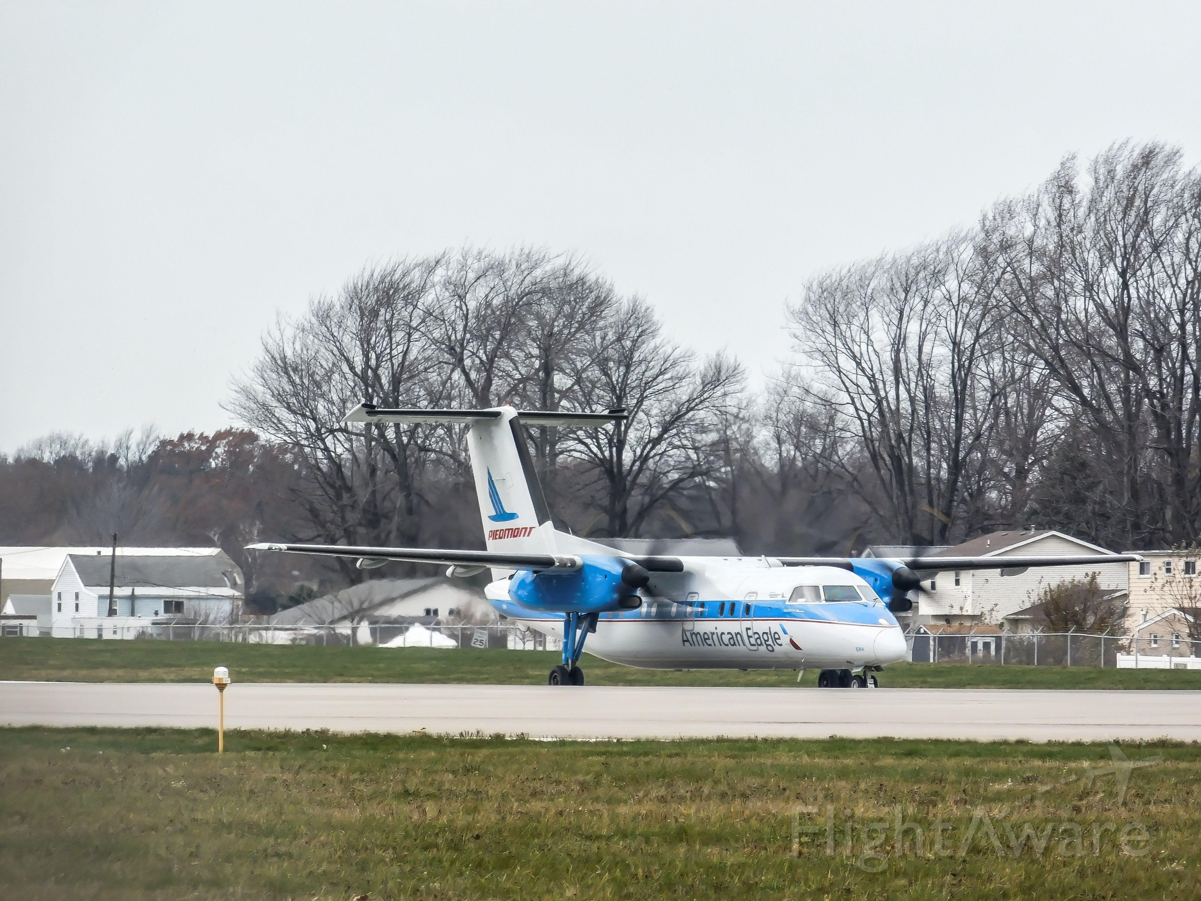 de Havilland Dash 8-100 (N837EX) - American eagle piedmont heritage dash 8 q100