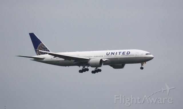 Boeing 777-200 (N77019) - EWR weather diversion