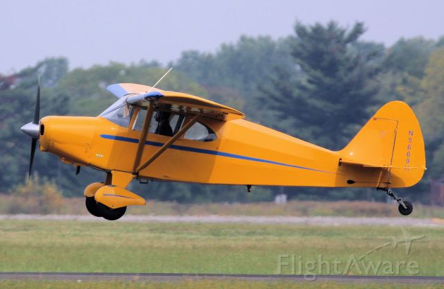 Piper PA-16 Clipper (N5669H) - Clipping around.