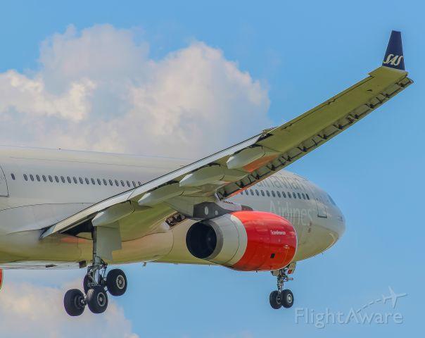 Airbus A330-300 (LN-RKH) - Arriving into IAD after a flight from Copenhagen