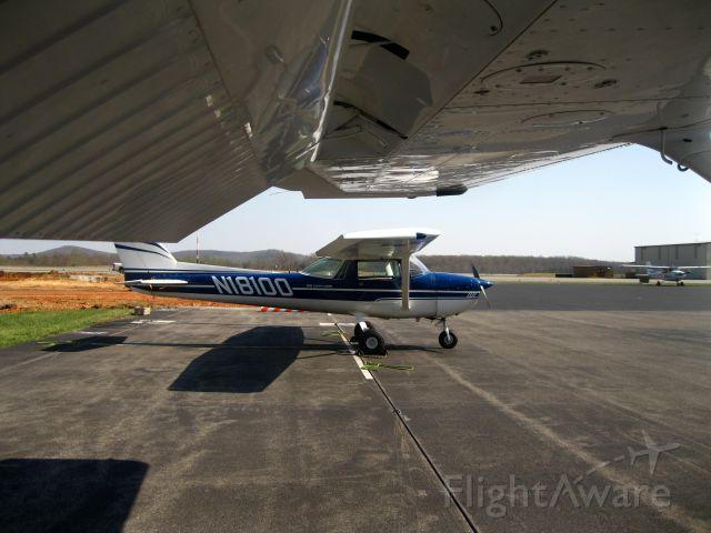Cessna Commuter (N18100)