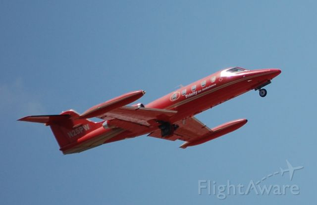 Learjet 25 (N25PW) - Taken at KFXE, It was the last day it was flown by Trinity Air Ambulance
