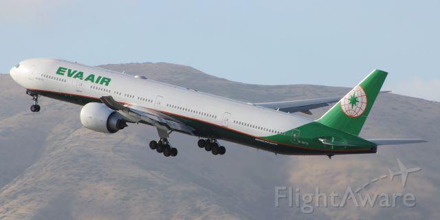 Boeing 777 (B-16712) - 5-25-16