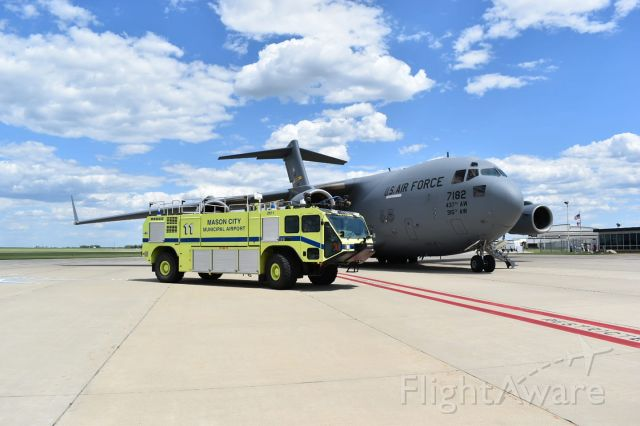 Boeing Globemaster III (07-7182) - A C-17 on the ramp at KMCW in support of a VPOTUS movement.
