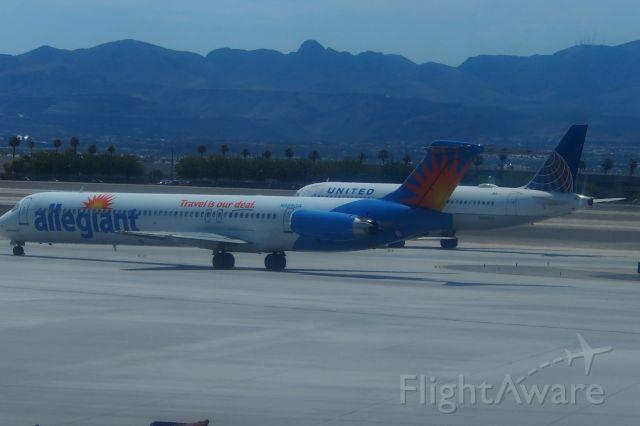 McDonnell Douglas MD-83 (N886GA)
