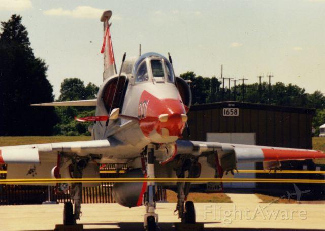 SINGAPORE TA-4 Super Skyhawk (15-8195)