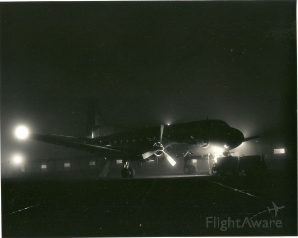 — — - Eastern Air Lines M-404 ready for a night trip - 1954.