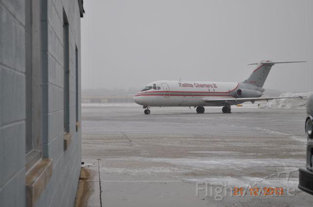 McDonnell Douglas DC-9-50 (N915CK)