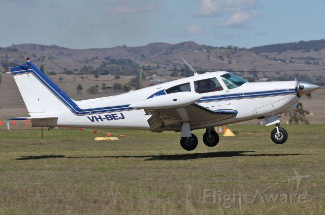 Piper PA-24 Comanche (VH-BEJ)