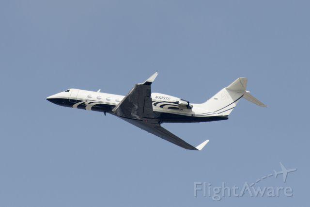 Gulfstream Aerospace Gulfstream IV (N305TC) - N305TC  Gulfstream  G-IV  KLAX  20130305  4516
