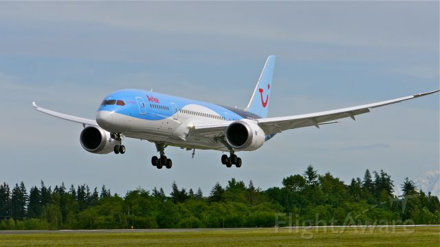 Boeing 787-8 (PH-TFK) - BOE334 on final to Rwy 34L to complete its maiden flight on 5/22/14. (LN:182 / cn 36427).