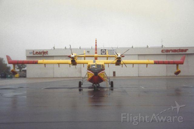Canadair CL-415 SuperScooper (C-FAWQ)