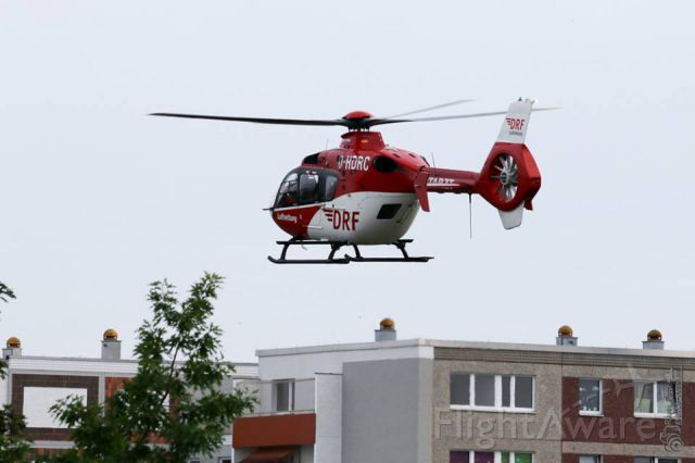 Eurocopter EC-635 (D-HDRC) - have 2 week holiday and you meet colleagues - EC - H135 rescue helicopter - take off in the urban area