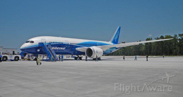 Boeing 787-8 (N787BA)