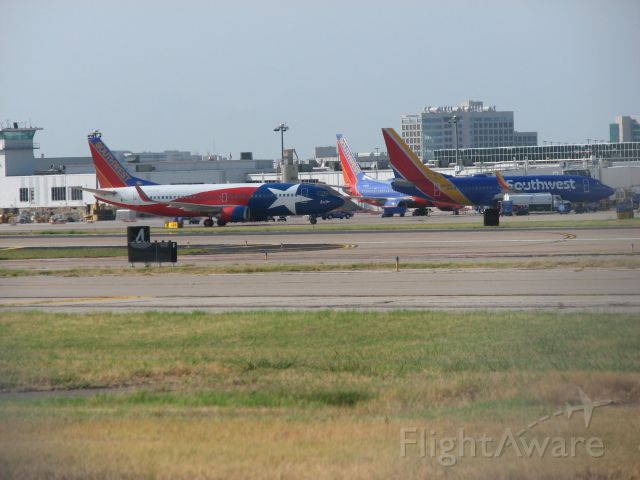 BOEING 737-300 (N352SW) - Southwest Airlines flight 2569 departing Dallas and heading out to El Paso, TX