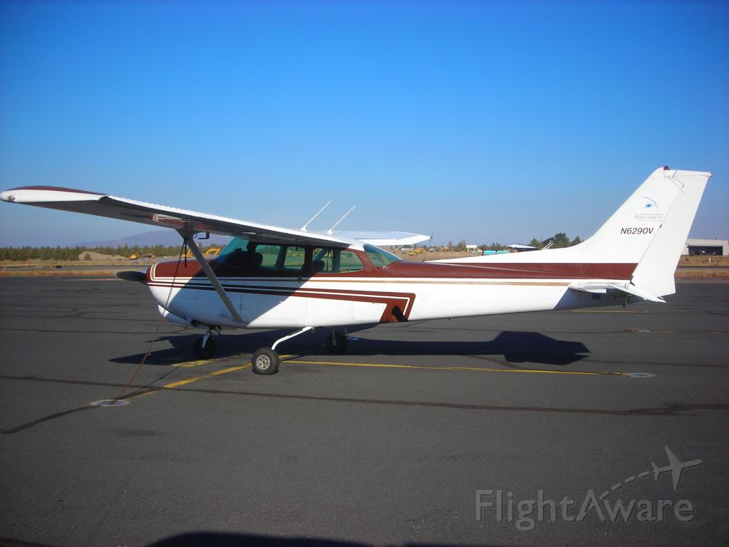 Cessna Cutlass RG (N6290V) - 172RG based in Bend Oregon with Professional Air. The plane flies well and handles very good in IFR conditions.