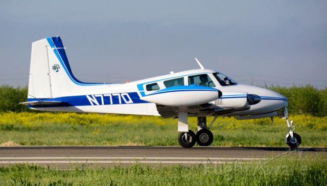 Cessna 310 (N777Q)