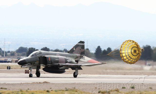 McDonnell Douglas F-4 Phantom 2 —