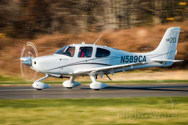 Cirrus SR-20 (N589CA) - Cirrus SR20 N589CA landing at KLOM