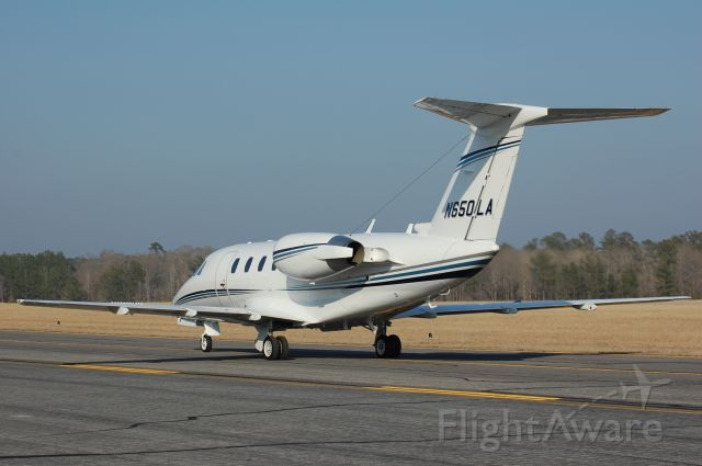 Cessna Citation III (N650LA) - Taxiing on alpha to parking at Lone Star.