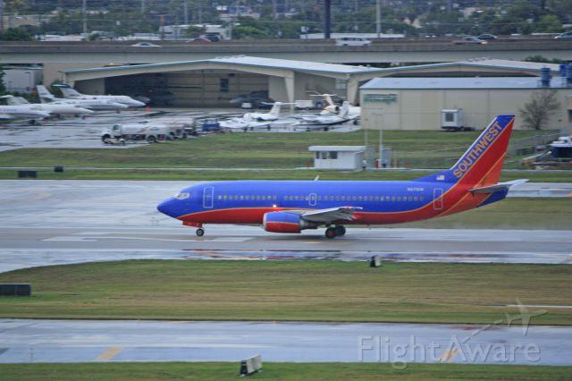 BOEING 737-300 (N671SW)