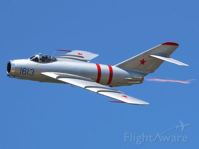 MIKOYAN MiG-17 (N917F)