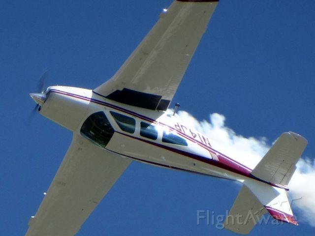 Beechcraft Bonanza (33) (N14JP)