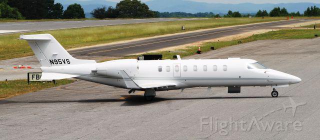 Learjet 45 (N95VS)