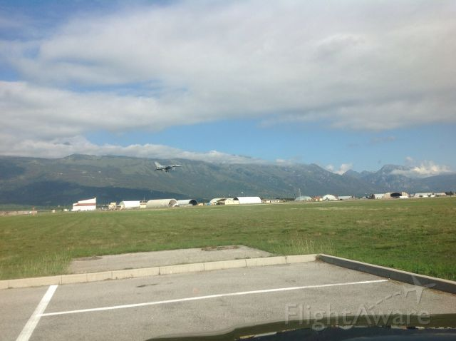 Lockheed F-16 Fighting Falcon — - Viper on final in Italy.