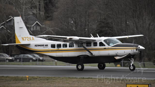 Cessna Caravan (N72KA) - Kenmore Air Cessna 208B landing on RWY 16 at Friday Harbor Airport