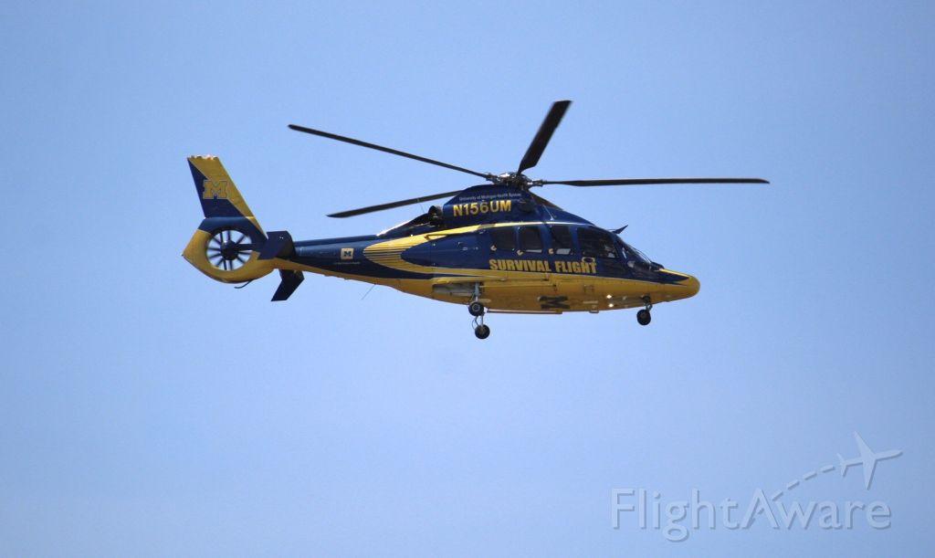 N156UM — - Coming in on runway 5R
