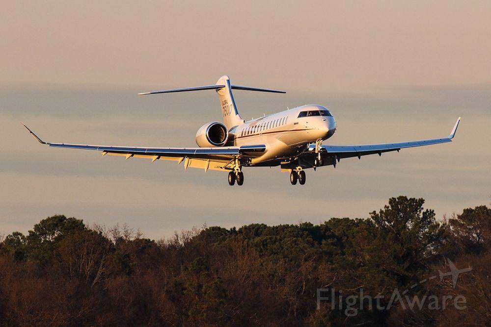 BOMBARDIER BD-700 Global 7500 (C-FXAI) - Bombardier 7500 Global Express on final into Atlanta's PDK airport.