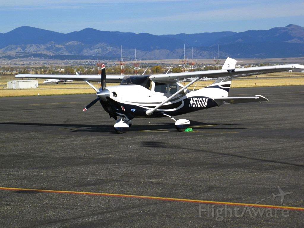Cessna 206 Stationair (N516RA)
