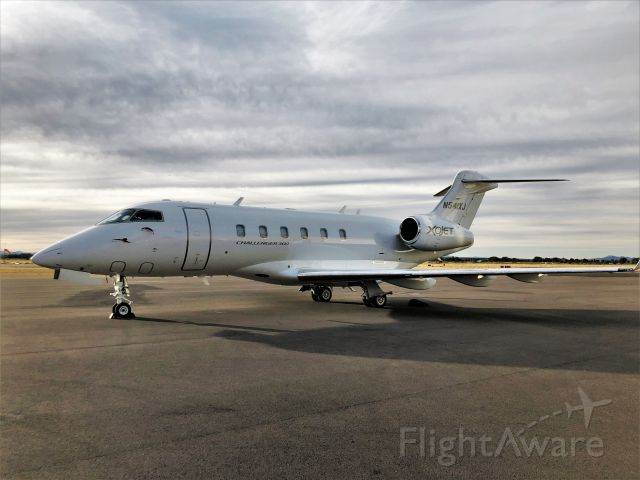 Bombardier Challenger 300 (N541XJ)