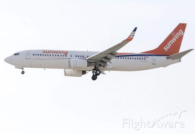 Boeing 737-700 (C-GVVH) - Sunwing landing 21L via the BONNZ1 approach(4/6/19)