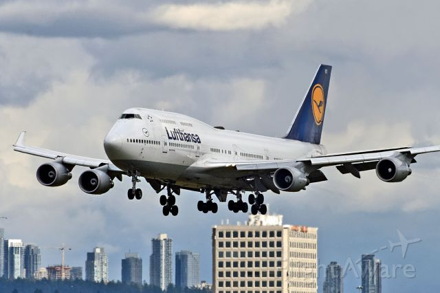 Boeing 747-400 (D-ABVX)