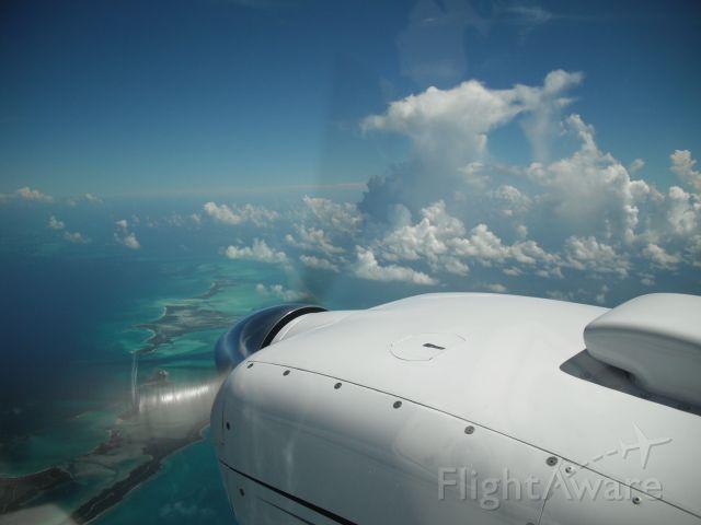 Beechcraft Baron (58) (N89RL) - Cruise flight just south of Bimini.