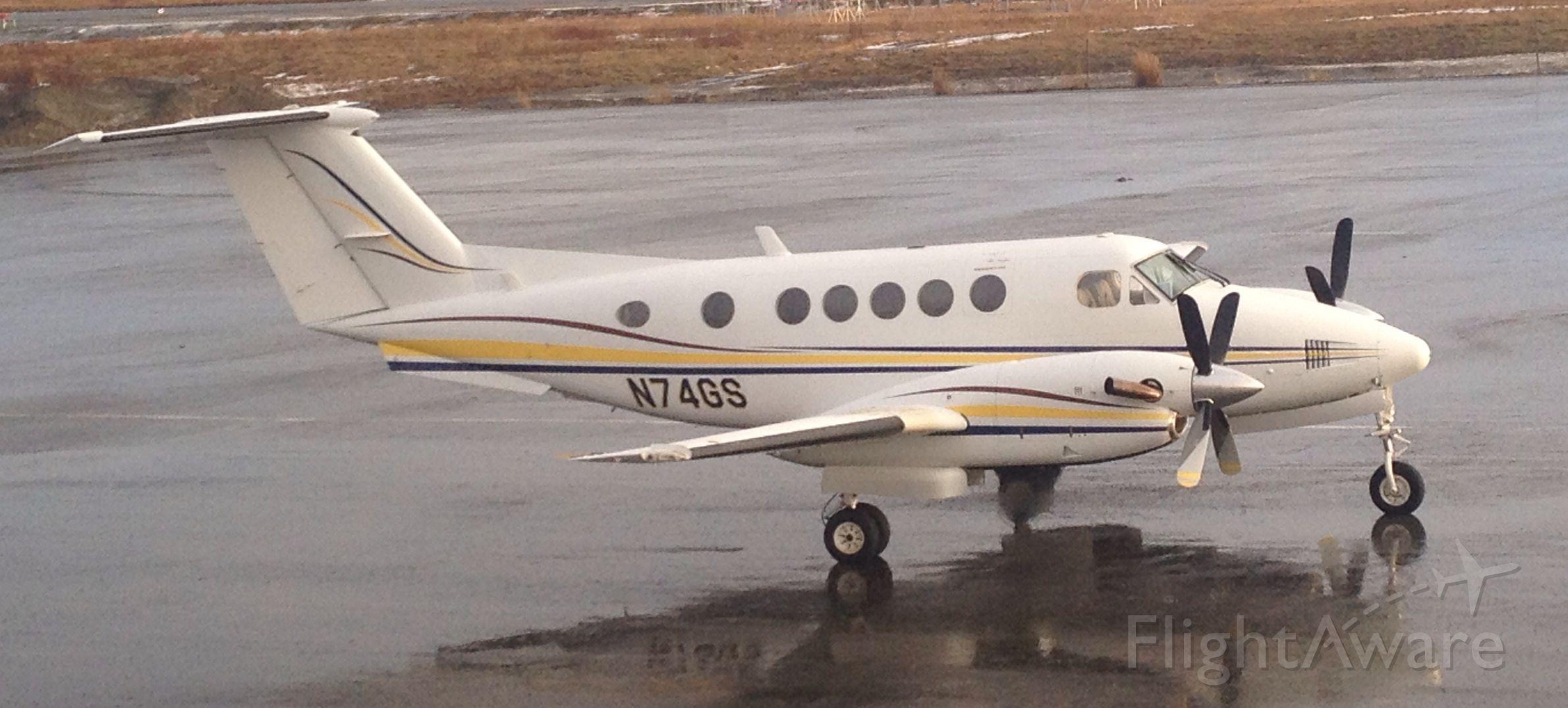 Beechcraft Super King Air 200 (N74GS)