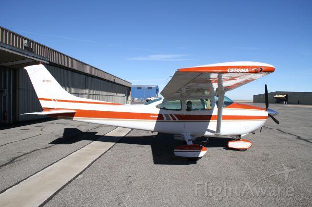 Cessna Skylane (N929PM)