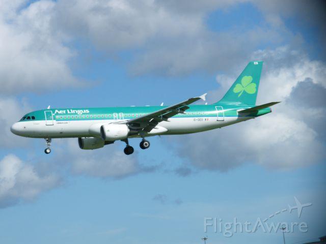 Airbus A320 (EI-DES) - EI DES ARR EIDW 14/09/13