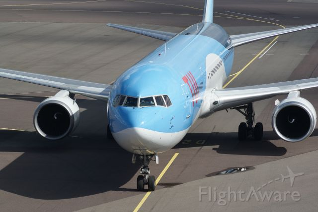 BOEING 767-300 (PH-OYI) - TUI Airlines B767-304ER cn29138, Taxi in gate D2 EHAM