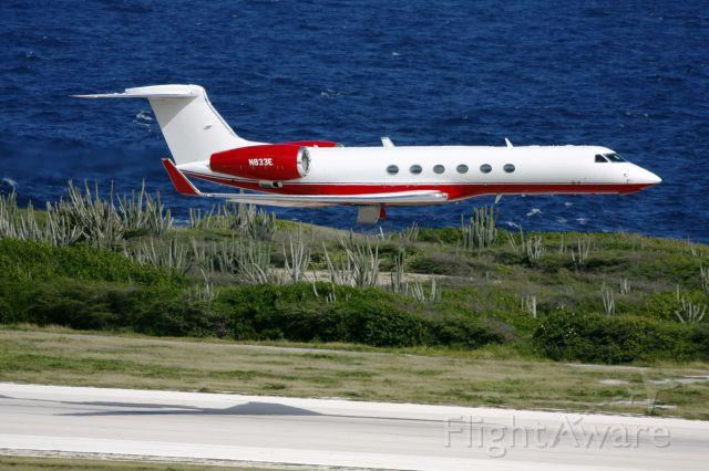 Gulfstream Aerospace Gulfstream V (N833E) - Slick departure!!