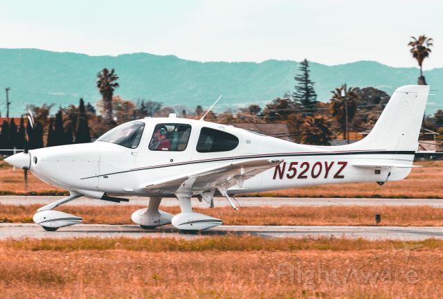 Cirrus SR-20 (N520YZ)